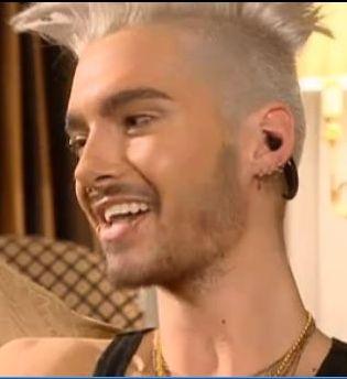 Hairweb De Tokio Hotel Bill S Neue Hochsteckfrisur Und Verliebt